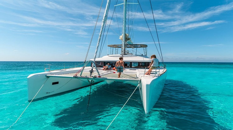 Catamaran Sailing Croatia | Skippered or Crewed Yacht Charter?
